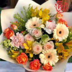сборный букет из цветов