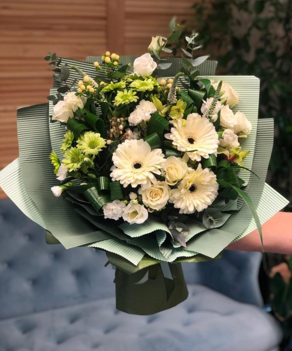 сбоный букет цветов